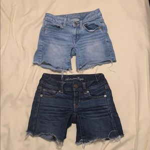 Two Pair Ladies American Eagle Shorts Size 00